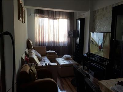 Apartament 2 camere Str. Renasterii Damaroaia
