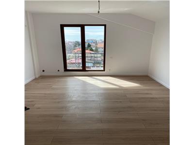 Apartament 3 camere pod mansardat